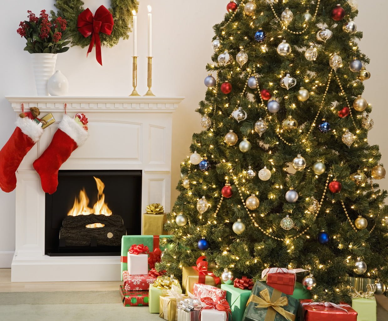 Where to place your Christmas tree in December 2015